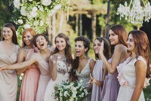 Цвет одежды гостей на свадьбе  (часть 2)