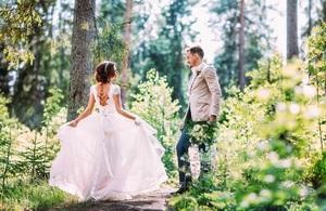 Свадьба на природе: плюсы и особенности