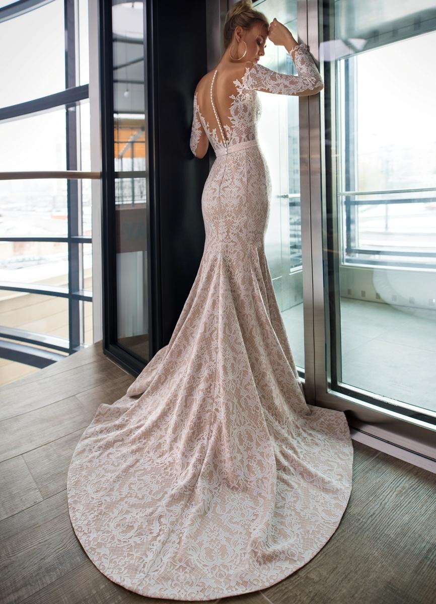Модные цвета свадебных платьев 2019